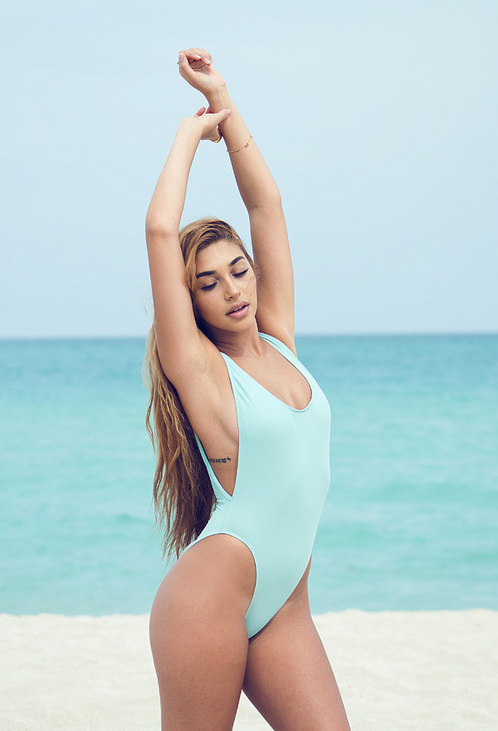 Chantel Jeffries en maillot