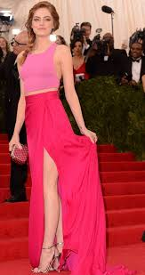 Emma Stone crop top jupe fendue