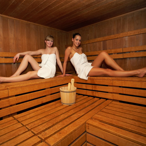 5 raisons d 39 aller au sauna trucs de nana. Black Bedroom Furniture Sets. Home Design Ideas