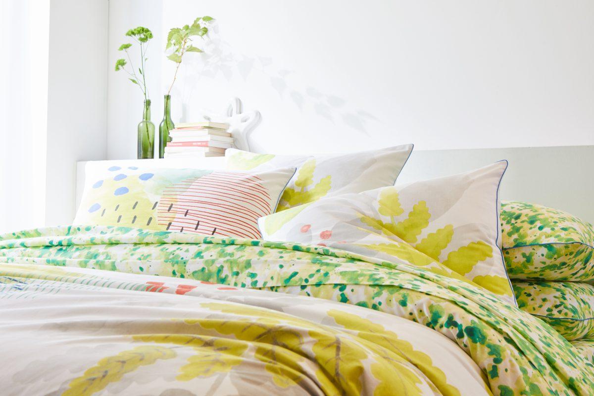 jeu concours de noel ferm gagnez une parure de lit blanche porte trucs de nana. Black Bedroom Furniture Sets. Home Design Ideas