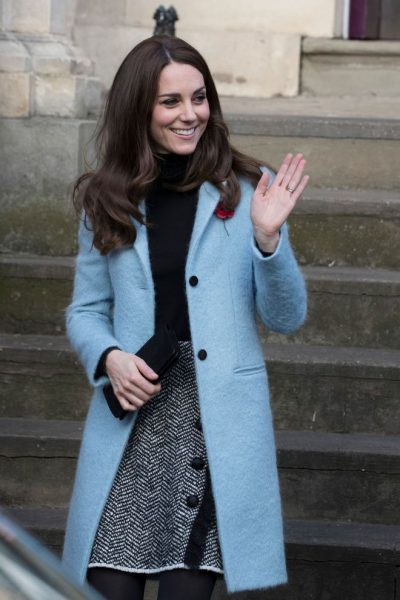 Blouson bleu - Kate Middleton